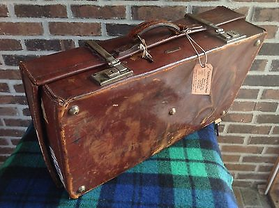 VINTAGE 1920s REVELATION SADDLE LEATHER SUITCASE MODEL A PACKARD CAR RACK R$2695