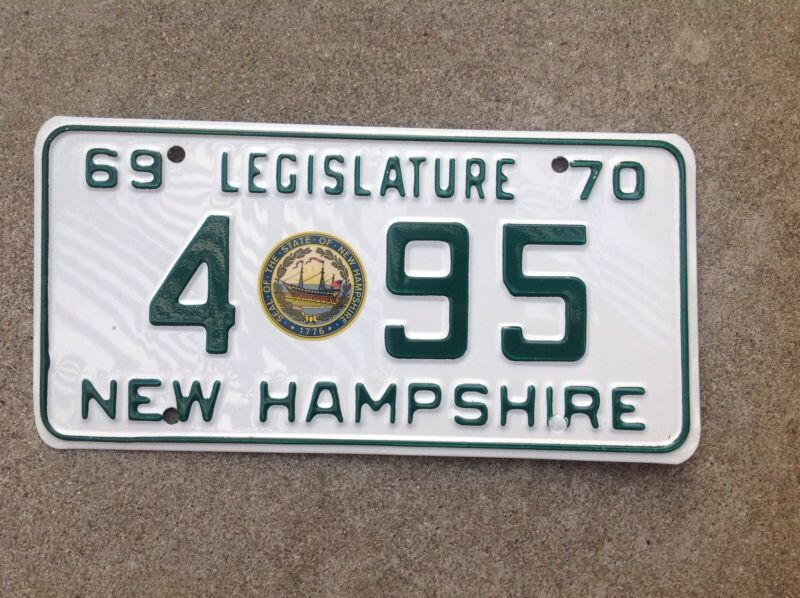 1969 - 1970  NEW HAMPSHIRE - LEGISLATURE - LICENSE PLATE - NEW - WITH ENVELOPE