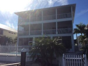 Ft Myers beach  Florida -weekly rental available for March