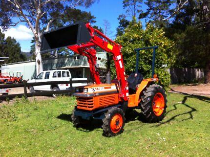 Kubota 35 hp 4x4 front end loader level lift 450 hrs Slasher Kangaroo Valley Shoalhaven Area Preview