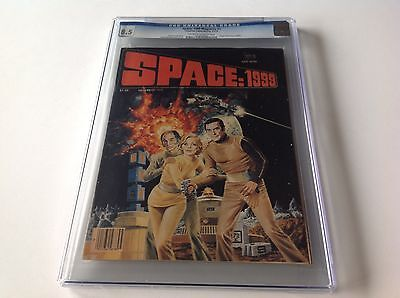 SPACE 1999 1 CGC 8.5 ORIGIN MOONBASE ALPHA MARTIN LANDAU CHARLTON MAGAZINE