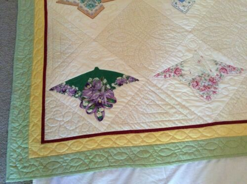 """Hand Made Quilt Hand Quilted 80"""" x 80"""" Queen Size Fan Pattern Green Gold Red"""