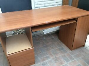 Great computer desk  in good condition