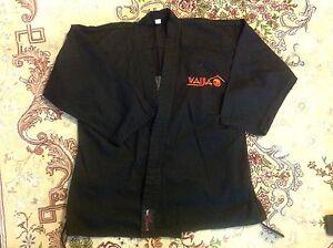 Kung Fu, Karate, Ju Jutsu, Aikido Anzug schwarz, Gr. 150
