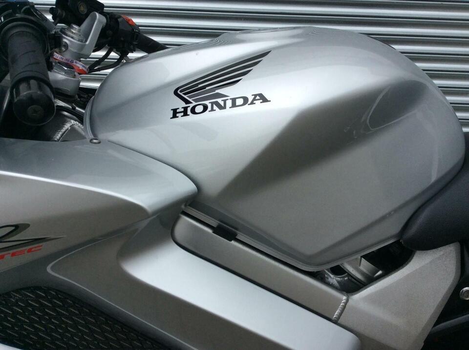 Honda VFR800 VFR 800 VTEC 2003 / 03 Silver - Sports Touring Givi Paniners