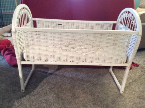 VINTAGE WICKER BABY BASSINET-BABY FURNITURE, SHOWER GIFT, GREAT DISPLAY ITEM