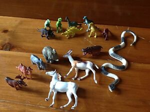 Lot of animals and Dinosaurs toy figure