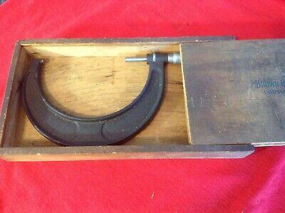 Vintage Brown Sharpe Micrometer No 67