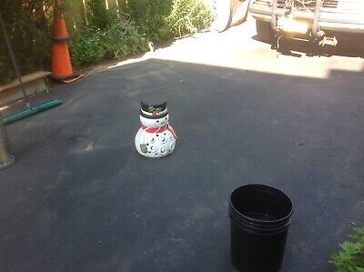 Smiling ⛄️PAINTED RED WHITE CAST Clay/Cement Holiday SNOWMAN LANTERN Yard Light