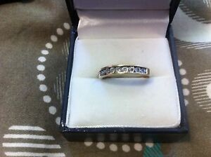 9ct gold and diamond ring East Maitland Maitland Area Preview