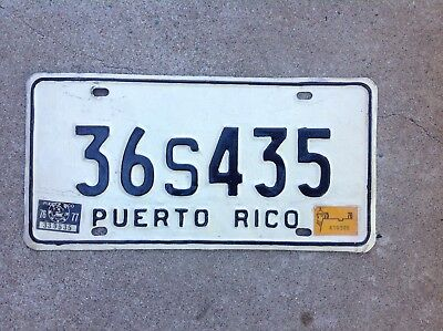 1970's PUERTO RICO LICENSE PLATE - REPAINTED