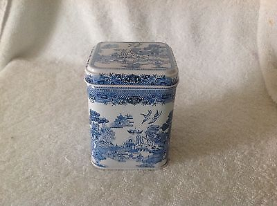 Blue willow pattern metal covered tin New