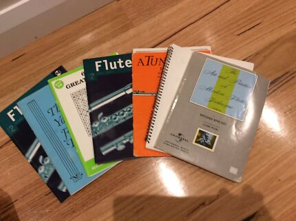 Beginners Flute books and music stand   Floreat Cambridge Area Preview