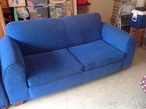 2.5 Seater Lounge + 2.5 Seater Sofa Bed Seven Hills Blacktown Area Preview