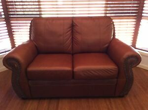SOFT LEATHER CHOC BROWN 2 SEATER  LOUNGE SO SO COMFY !!! Tingalpa Brisbane South East Preview