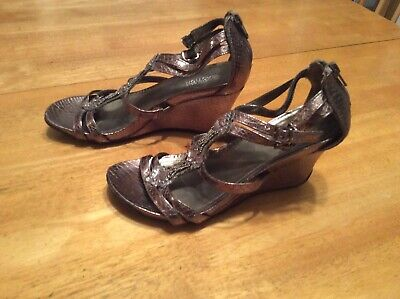 KENNETH COLE Reaction Pewter Wedge Sandals SHOES Gem Double strap Rubber sole 6