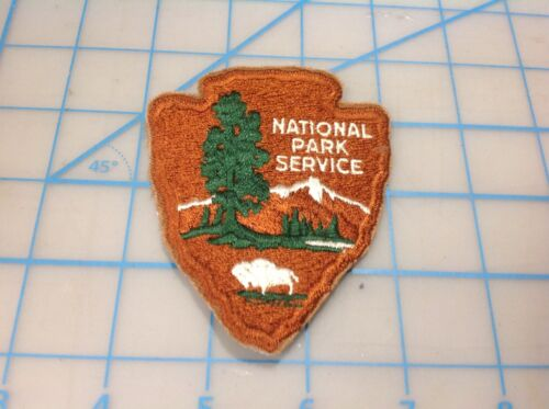 "Vintage NATIONAL PARK SERVICE ""White Buffalo"" Embroidered Patch (N)"