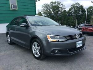 2011 Volkswagen Jetta WOW ONLY 77KM! - LEATHER - SUNROOF - NAVIG