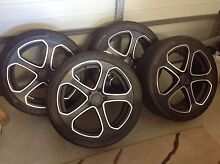 "URGENT!! 19"" PDW WHEELS HOLDEN VE 245/40/19 5 X 120 Mango Hill Pine Rivers Area Preview"