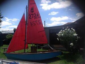 Mirror sailing dinghy Keilor North Brimbank Area Preview