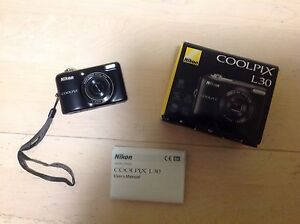 Nikon Coolpix L30 - Like New, with box and manual