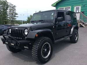 2015 Jeep Wrangler UNLIMITED SAHARA 4X4 - OFF ROAD MUSCLE!  BOOK
