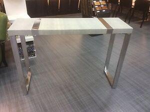 Table console  Saint-Hyacinthe Québec image 1