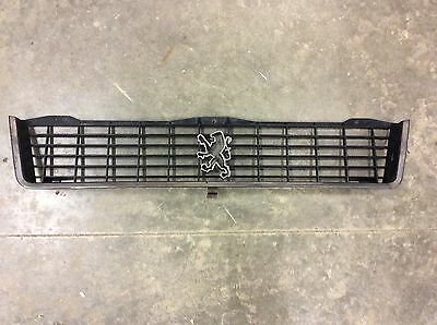 1979-1988 PEUGEOT 505 FRONT GRILLE SOLID NO BREAKS