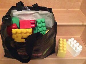 Mega blocs (legos)