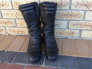 Motorbike boots Bull Creek Melville Area Preview