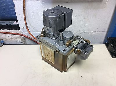 Showa Automatic Lubrication System, # YMAS-6, Part# 15, 220V W/ LF01 Filter Used