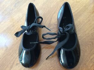 GIRL'S TAP SHOES