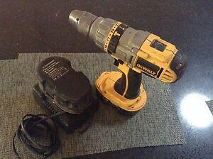18 volt dewalt drill Kinross Joondalup Area Preview