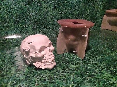 LATEX AND FIBREGLASS MOULD SKULL 12CM TALL ORNAMENT MOULD