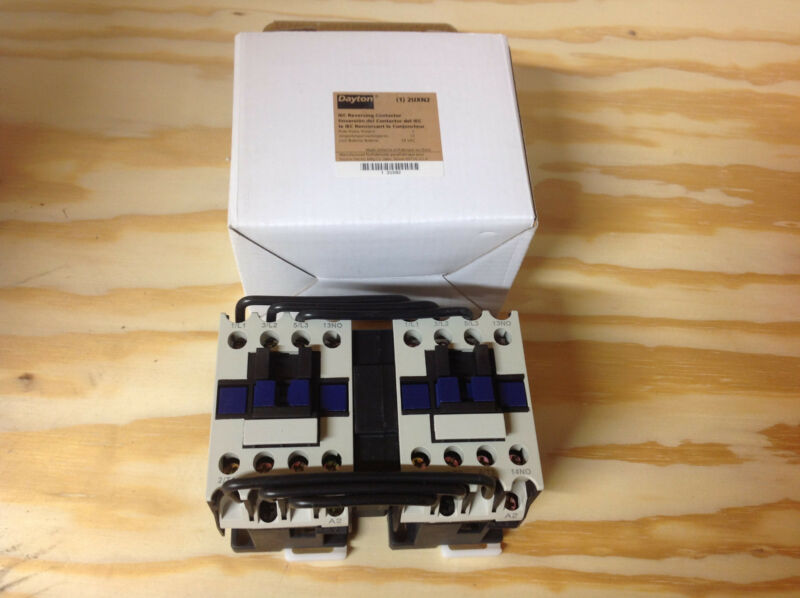 Dayton 2UXN2 IEC Contactor, 24VAC, 12A, Open, 3P, NEW IN BOX
