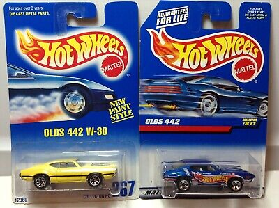 HOT WHEELS MUSCLE - LOT OF 2 - OLD 442 - W-30 #267 HW RACING #871