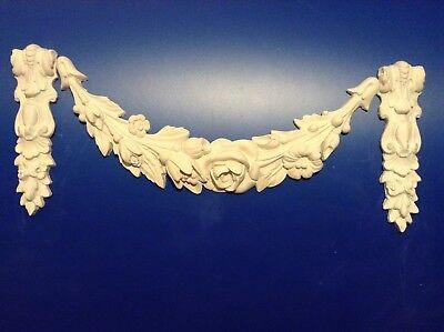Stuck Schleifen mit feinen Konsolen aus Gips, Ornamente, Relief