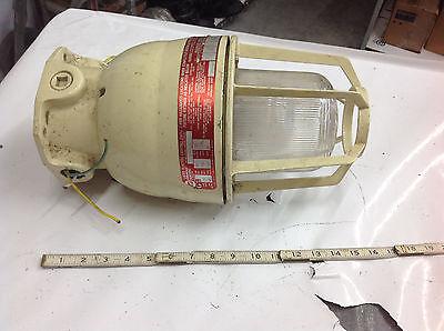 American Electric Xim1512 Hazardous Explosion Proof Light Fixture120v 150w. Used