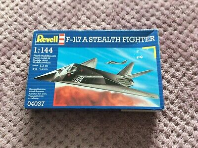 REVELL : 04037 : F-117 A STEALTH FIGHTER : 1:144 SCALE : MODEL KIT