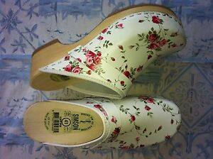 Dutch-Leather-Wooden-Clog-shoe-FLOWER