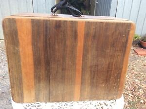 VINTAGE GARRAND RECORD PLAYER IN LARGE WOODEN CASE