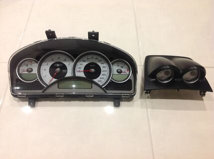 VZ HSV Instrument Clutser and Binnacle Gauges Maloo Clubsport Senator Doreen Nillumbik Area Preview