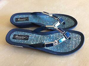 Navy-Jem Sandals Size 10 (FITS SIZE 9)