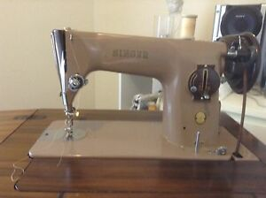 Vintage sewing machine Mill Park Whittlesea Area Preview