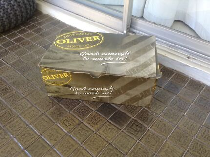Boxed OLIVER work boots size 9 VGC Chelmer Brisbane South West Preview