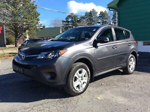 2015 Toyota RAV4 WOW ONLY 24KM - A/C - CRUISE - BLUETOOTH AND MO