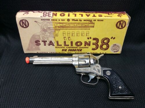 "Stallion ""38"" Six Shooter Toy Cap Gun with Original Box 207656-11"