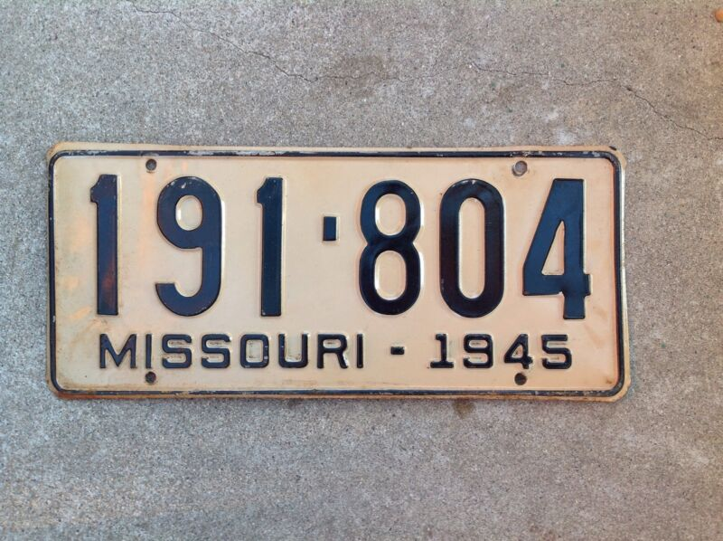 1945 MISSOURI LICENSE PLATE
