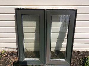 Fenêtre(1)  PVC usagée à donner