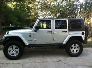 Looking for 2007 jeep wrangler smashed or blown motor